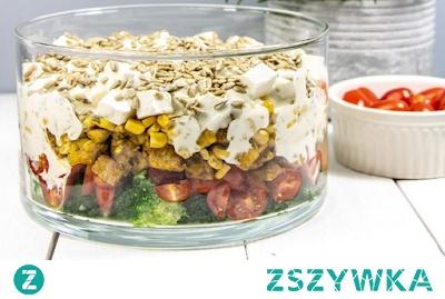 Warstwowa Salatka Z Kurczakiem Feta I Brokulami Na Smaczne Przepisy