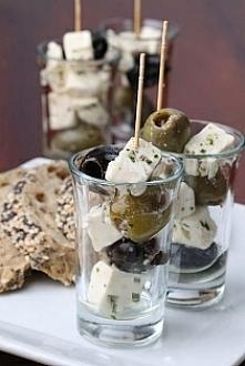 przekąska z oliwek i sera feta