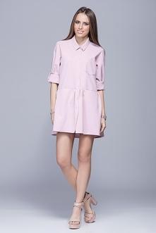 Elegancka sukienka mini z kołnierzykiem.