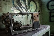 Jaki wpływ na nasze oceny, osądy i postrzeganie ma telewizja? Za duży!