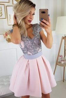 Cudowna wizytowa sukienka. ...