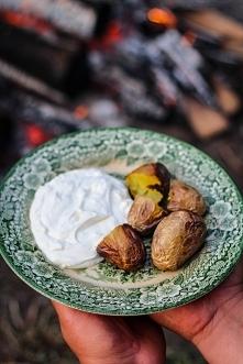 Ziemniaki z ogniska Najlepsze z twarożkiem cebulowym <3 Przepis: Kliknij w...