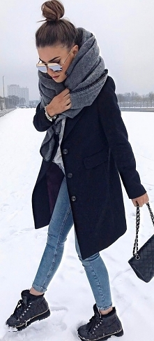 #winter #fashion / Grey Kni...