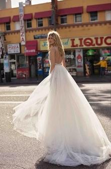 Blog ślubny Panna Allure prezentuje... najpiękniejsze suknie ślubne na sezon 2019! Cała kolekcja Berta Bridal na blogu :)