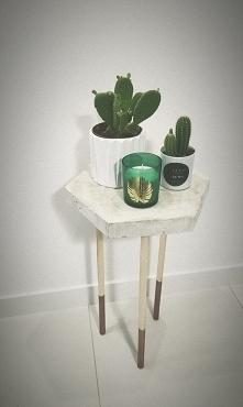 Własnoręcznie zrobiony stołek pod kaktusy :)