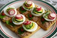 Składniki krakersy 1/2 opakowani jajka 3 sztuki ogórek zielony 1/2 sztuki rzo...