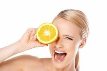 Witamina C w kosmetologii - jak działa?