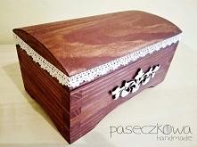 Szkatułka/kuferek w brązie z koronką  Zapraszam na moją stronę na facebooku: ...