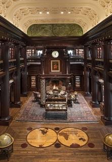 Duża ale przytulna biblioteka