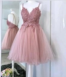 Dziewczyny poszukuje idealnej sukienki na wesele czy ktoś ją widział bądź podobną ?? :D