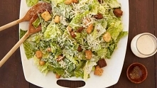 Przepis na pyszną sałatkę cezara! Najlepsza jaką jadłaś w życiu!