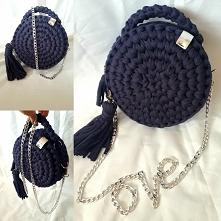 Okrągła torebka na szydełku, zdjęcie pochodzi z instagrama joaskad.cz