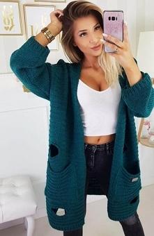 Carmel sweter z dziurami butelkowa zieleń Oryginalny sweter damski wykonany z...