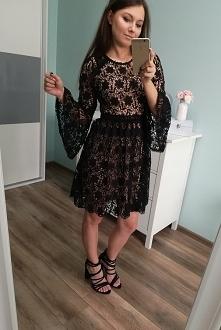 Koronkowa sukienka. Dostępna w butiku karolinettastyle.pl
