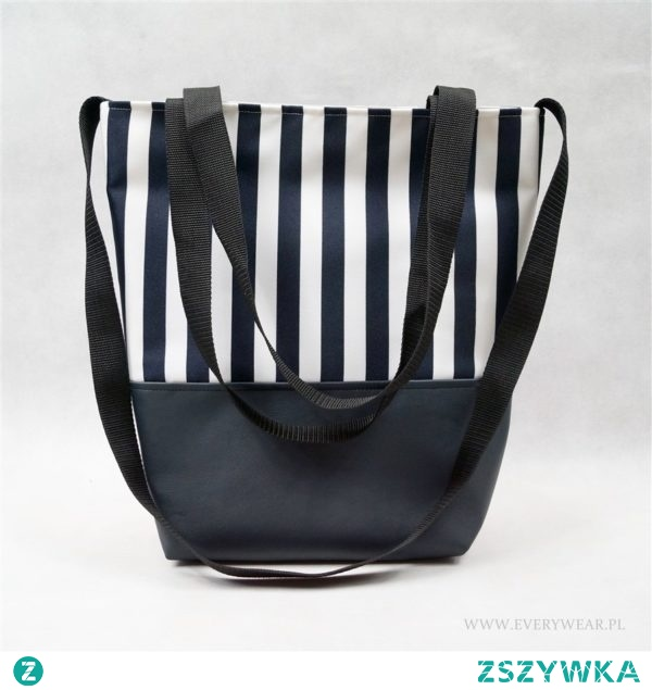 Świetna i pojemna torba w pasy szyta w mojej pracowni. Kliknij w zdjęcie aby poznać cenę. Zapraszam. :) EveryWear