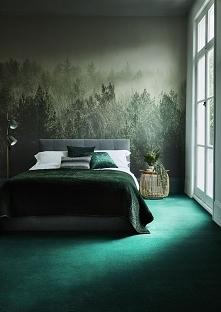 Piękna sypialnia w kolorze butelkowej zieleni