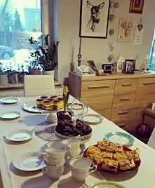 CYTRYNOWIEC  SKŁADNIKI:   Spód ciasta :  18 biszkoptów  2 łyżki soku z cytryn...
