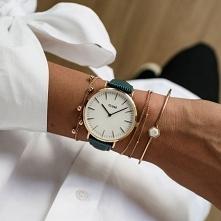 Zegarek Cluse CL18038 Rose Gold White/Emerald Lizard to wyjątkowy model na skórzanym pasku w zielonym kolorze, który przywodzi na myśl wężową skórkę. Model ten będzie idealny dl...
