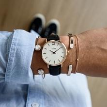 Zegarek Cluse to klasyczny model, który został wyposażony w czarny, skórzany ...