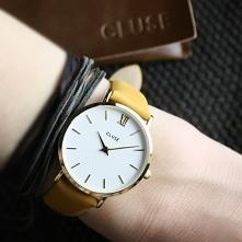 Zegarek Cluse na skórzanym pasku w musztardowym kolorze to hit nadchodzącej jesieni! Założysz go zarówno do jesienneg, ciepłego sweterka, jak i do dzianinowej sukienki!