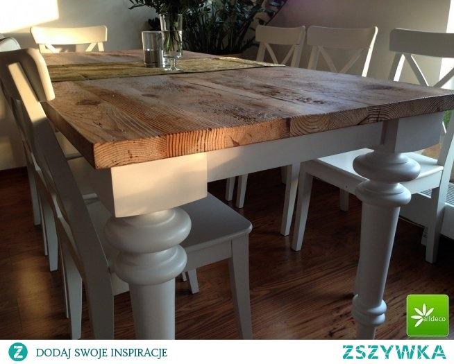 Stylowy stół z blatem z prawdziwego starego drewna. Zapraszamy do kontakt z nami.