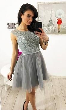 Sukienka tiulowa gorset