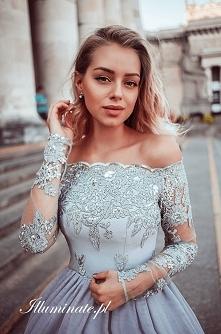 Piękna tiulowa sukienka z k...