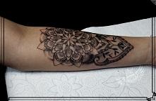 mandala tatuaż przedramię