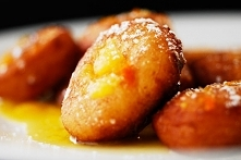 Pączki z ricotty w pomarańczowym sosie