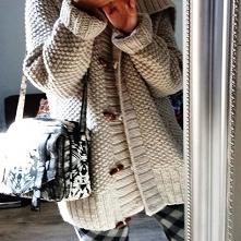 Gruby sweter od malmie z 29 września - najlepsze stylizacje i ciuszki