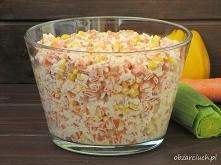 Sałatka z ryżem i szynką        3/4 szklanki ryżu     około 2 szklanki wody     4 marchewki     200 g szynki     papryka konserwowa     1 puszka kukurydzy     2 łyżki majonezy  ...