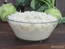 Surówka z kalarepy        2 kalarepy     sok z około połowy cytryny     2 łyżki majonezu     sól i pieprz  Kalarepy myjemy, obieramy i ścieramy na tarce o grubych oczkach. Dodaj...
