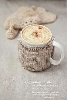 Piernikowa latte.220 ml.mleka(niepełna szklanka),pół szkl.zaparzonej kawy,syr...