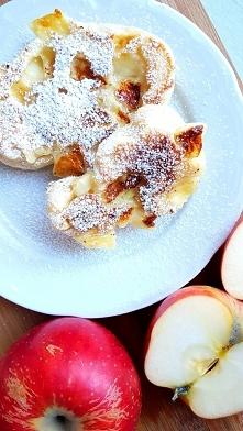 Racuchy drożdżowe z jabłkam...