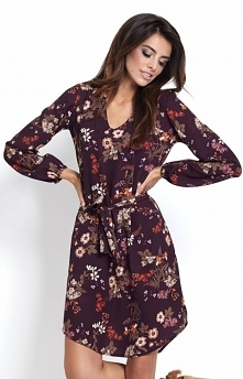 Ivon Karina sukienka w kwiaty W tym sezonie zdecydowanie królują printy, które świetnie wyglądają na każdej sylwetce, sukienka została wykonana z delikatnej i zwiewnej dzianiny,...