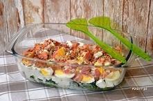 Sałatka z brokułem i fetą        1 duży brokuł     ok. 250 g sera feta     5 jajek ugotowanych na twardo     100 g boczku wędzonego     garść ziaren słonecznika     3 ząbki czos...