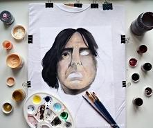 Początki mojej ręcznie malowanej koszulki.   Jeszcze nie skończyłam jej malow...