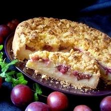 Kruche, i to bardzo, ciasto z budyniem i śliwkami        mąka pszenna     200g CIASTO:      mąka kukurydziana     100 g      sól     1/4 łyżeczki      cukier     5 łyżek      ma...