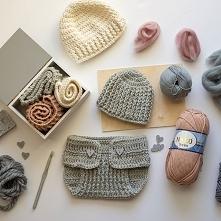 Przyłącz się do dziewczyn lubiących szydełkować. Zobacz jak zrobić podstawowe sploty i wykorzystaj je podczas tworzenia czapek, koszyczków lub szalików.
