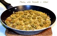 Pikantny omlet hiszpański        woreczek ryżu długo ziarnistego     3 łyżki margaryny     15-20 dag mięsa mielonego ( u mnie wieprzowe)     cebula     3 ząbki czosnku     łyżec...
