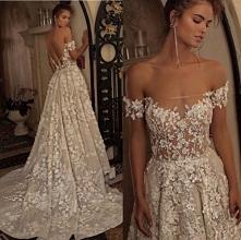 delikatna i piękna suknia