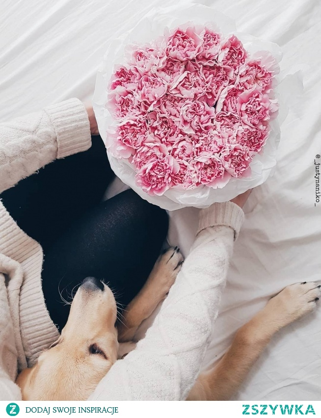 Zapraszamy na e-kwiaty.pl. Flowerbox marki Flora Design&Delivery to produkt premium dla najbardziej wymagających Klientów. Pudełka wykonane są z wysokiej jakości materiałów :)