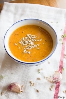 wegańska zupa z pieczonych pomidorów i cukinii tymianek czosnek