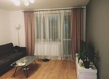 Zasłony w pokoju dziennym. Uwielbiam okna ubrane w zasłony:)