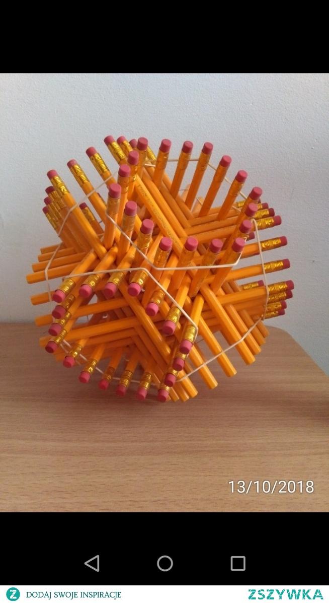72 ołówki + 8 gumek