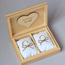 drewniane pudełko w stylu rustykalnym na obrączki