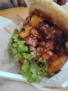 Tym razem azjatycki food track: Farsz Food - BAO Bułka parowana jak pierożki i cudowne wnętrze. ^^