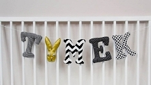 Kolorowe literki uszyte z materiałów bawełnianych to piękna ozdoba każdego po...