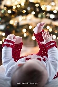 """fotografa świąteczna, ciekawa perspektywa :) """"zaraz złapię Cię stópko"""""""