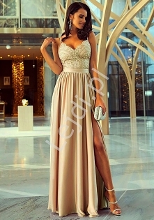 Suknia wieczorowa w karmelowym kolorze. Sukienka na studniówkę, wesele, bale....